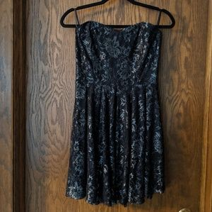 Forever 21 Strapless Black Lace Sweetheart Dress